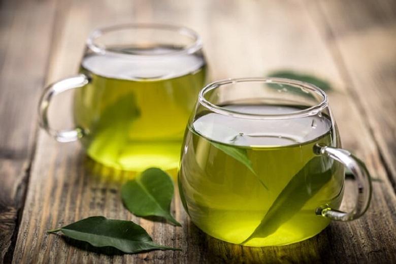 Cách trị mụn ở tuổi 14 bằng nước trà xanh