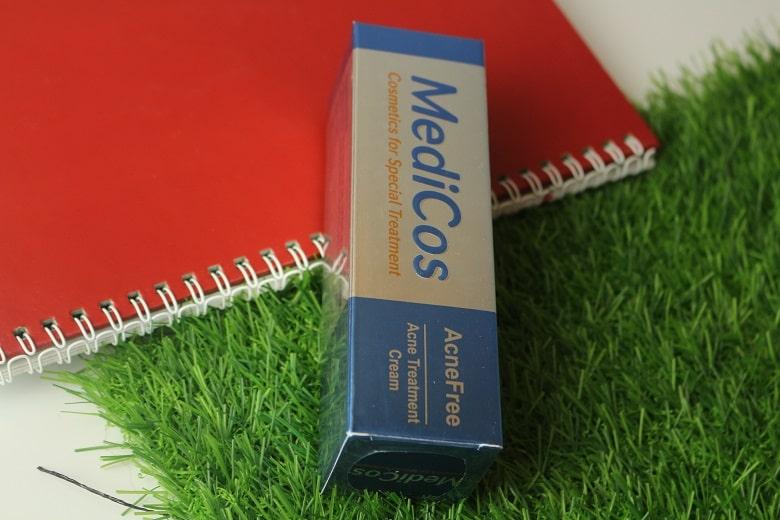 Kem trị mụn Medicos Acne Treatment Cream Bevita