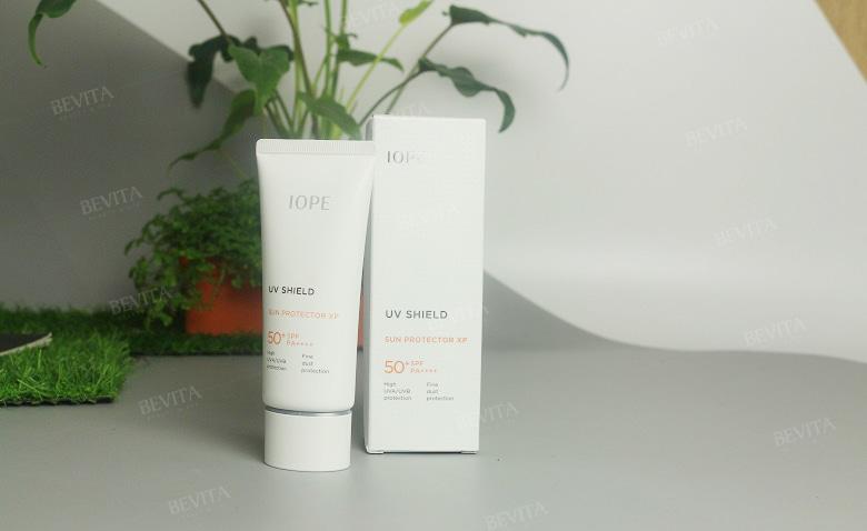 Kem chống nắng IOPE UV Shield Sun Protector SPF50+/PA++++ của Hàn Quốc