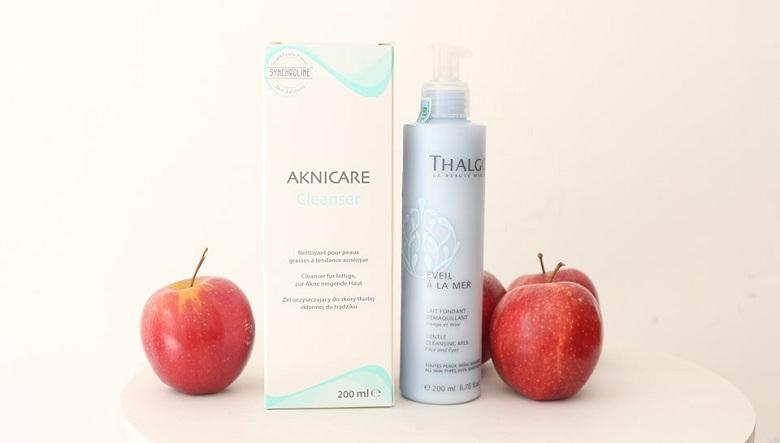 Sữa rửa mặt Aknicare và Thalgo