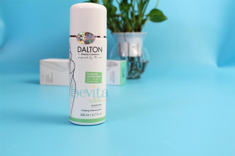 Công dụng sữa rửa mặt da khô dễ nổi mụn Dalton Purifying Cleansing Milk 200ml