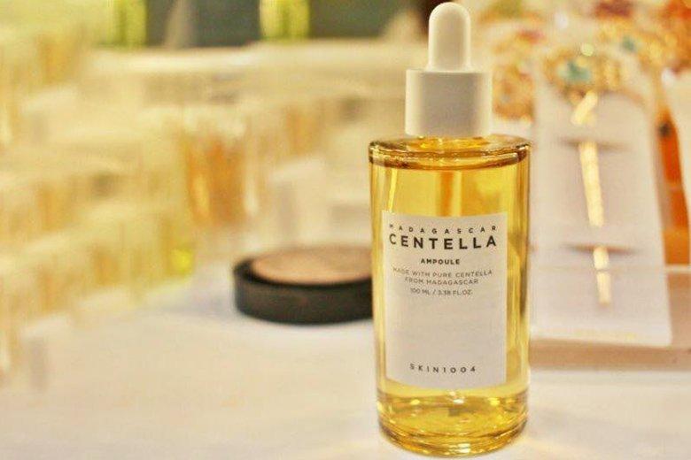 Tác dụng tinh chất rau má trị mụn Skin1004 Madagascar Centella Ampoule 50ml