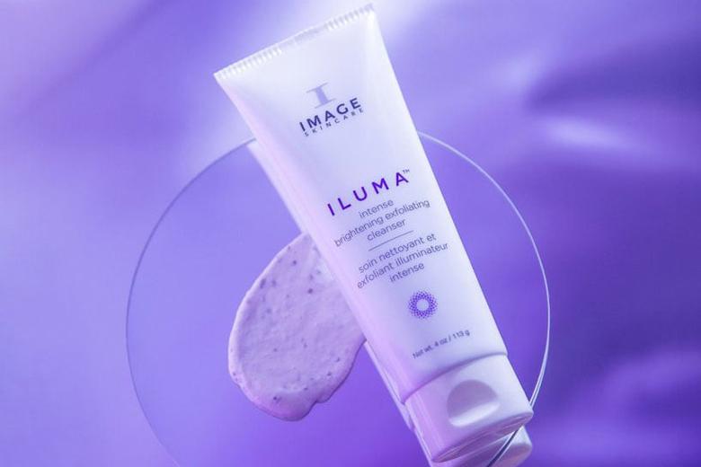 Tác dụng sữa rửa mặt sáng da Image Iluma Intense Brightening Exfoliating Cleanser 113g